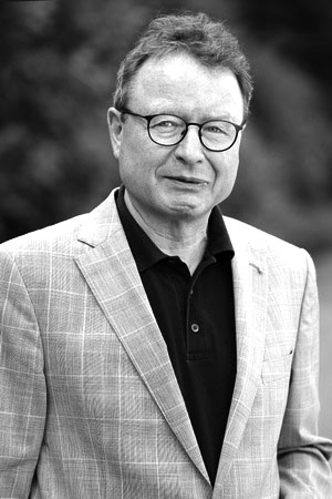 Prof. Dr. Klaus Schaefer. Mehr Informtion unter http://www.mediabiz.de/film/firmen/people/prof-dr-klaus-schaefer/716/4022