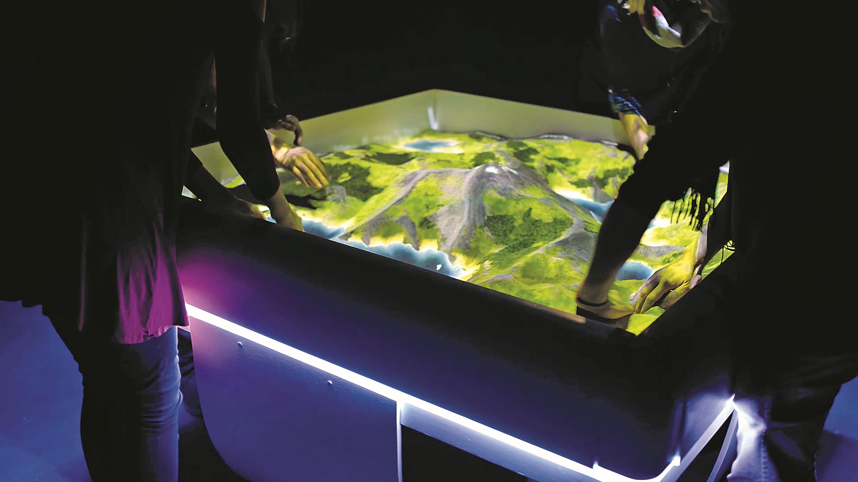 AR-Sandbox mit projizierter Natur